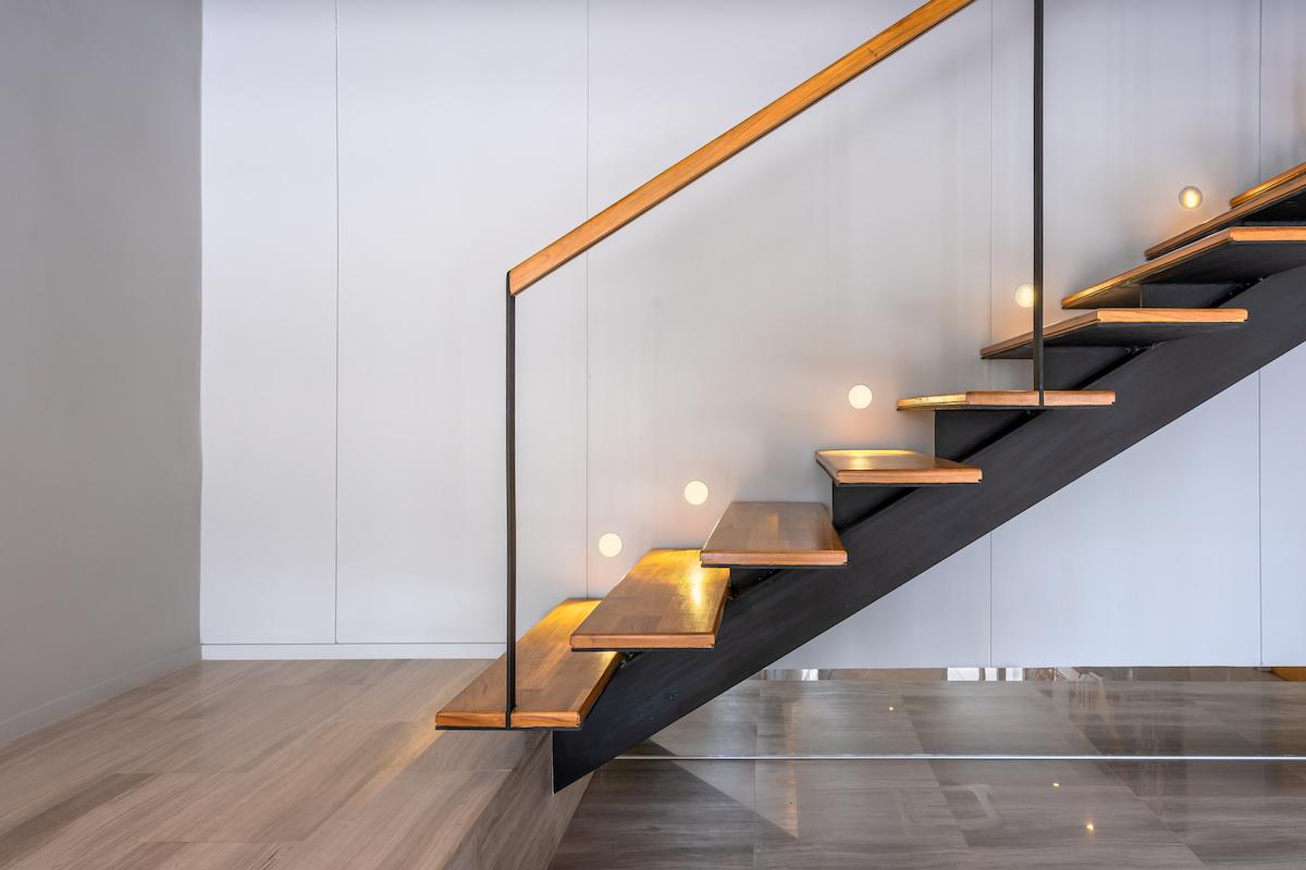 Comment rénover un escalier en bois?